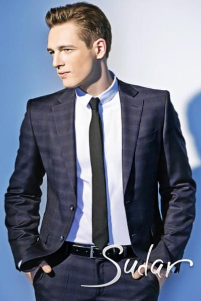 Стильный приталенный мужской костюм. Выбор по фото